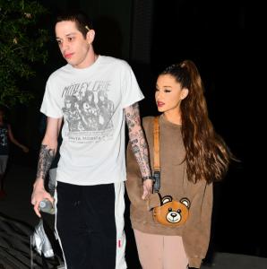 Hubungan Pete Davidson dengan Ariana Grande Memanas