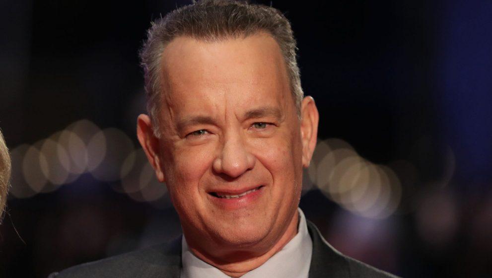 Tom Hanks Menerima Penghargaan Cecil B. DeMille di Golden Globe 2020