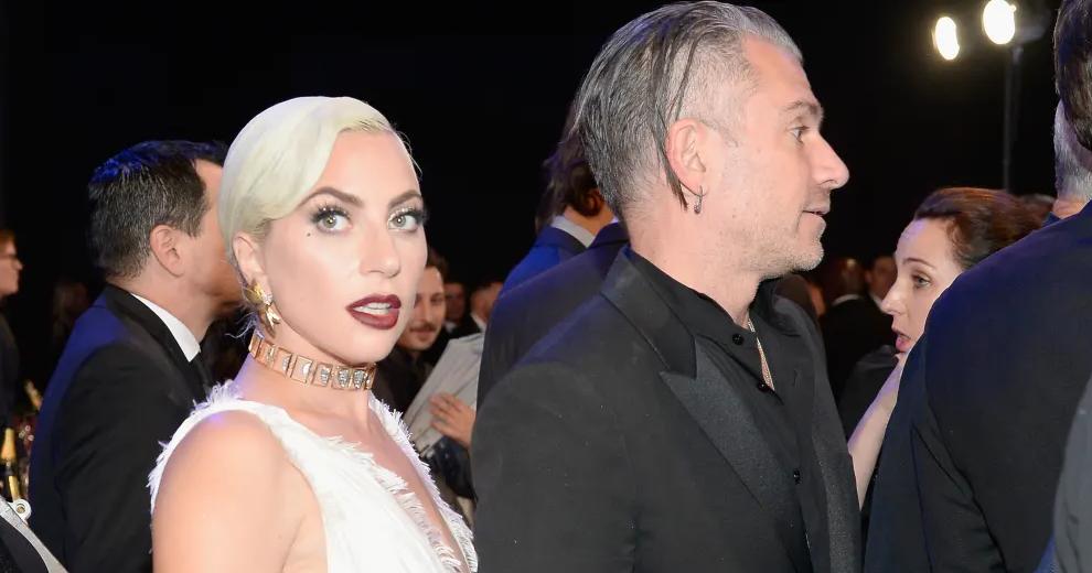 Lady Gaga Membatalkan Pertunangannya